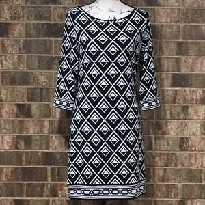 White House Black Market Dresses - EUC WHBM Awesome Geometric 3/4 length Sleeve Dress